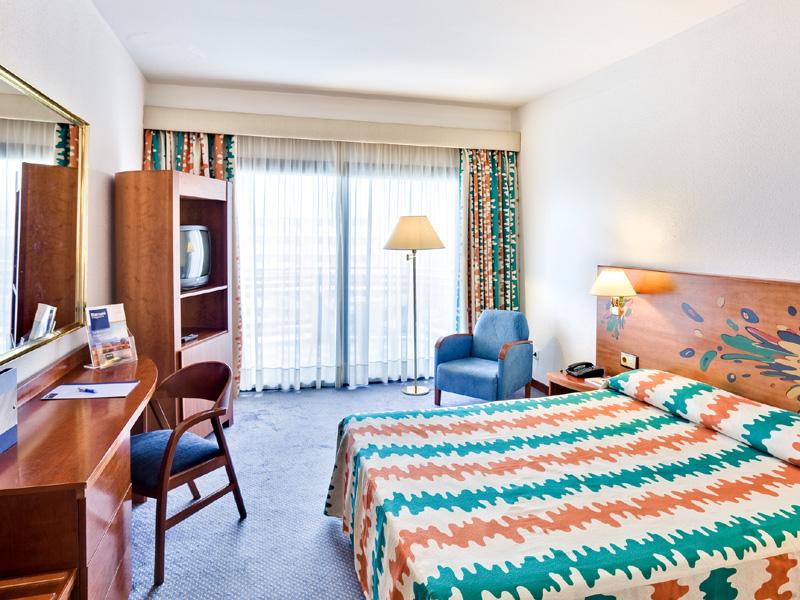 Riu club hotel gran cantabria with nudist pools